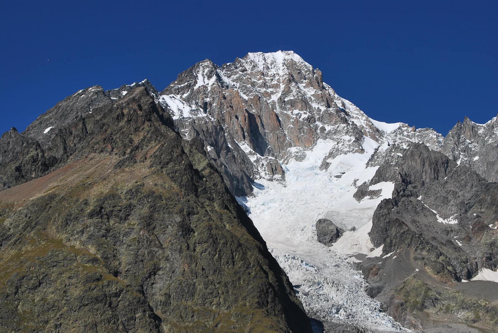 Monte Bianco e Pilastri del Broillard visti dall'Arp Vieille desot