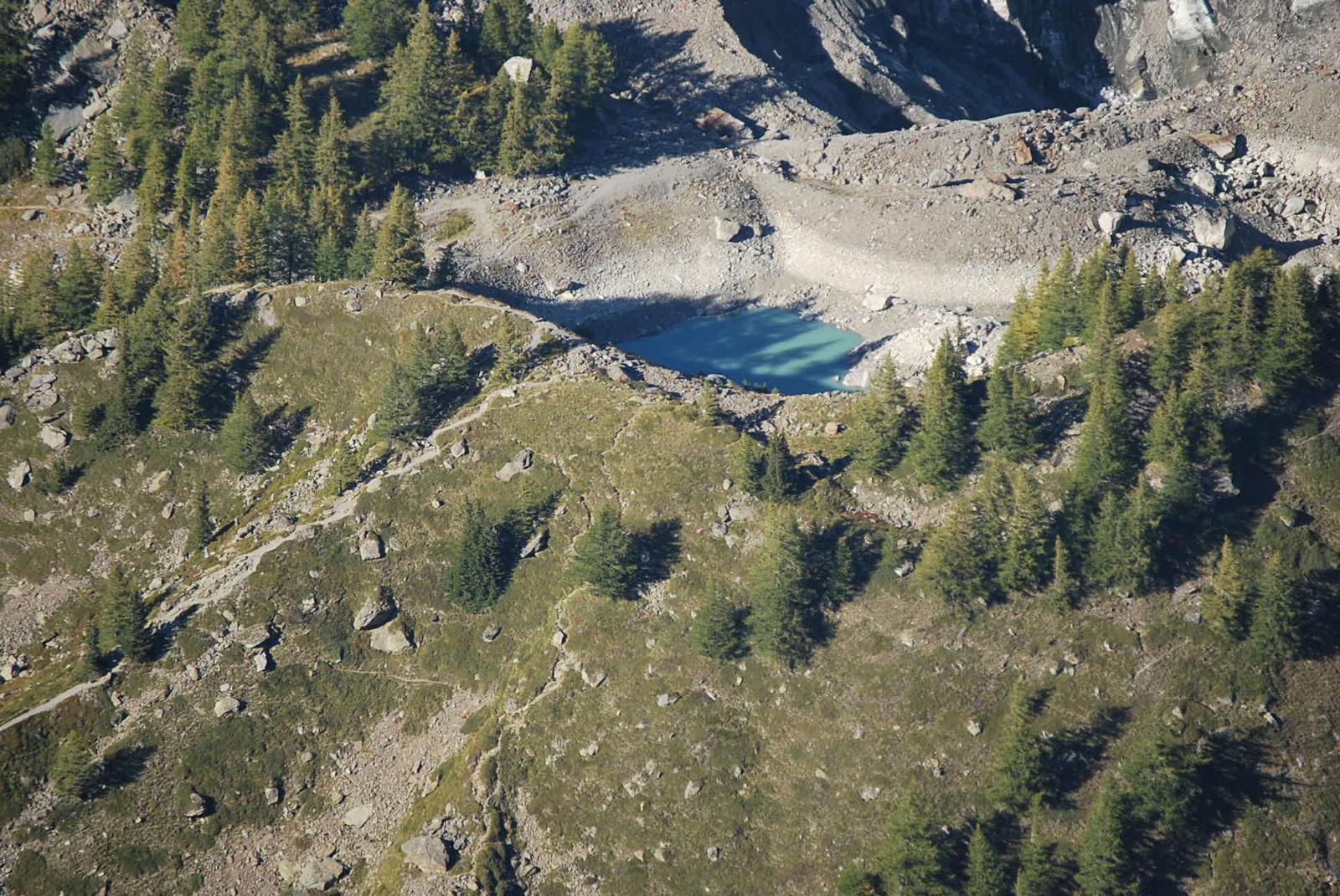 Il Lago del Miage ridotto ai minimi termini tele-visto dalla vetta