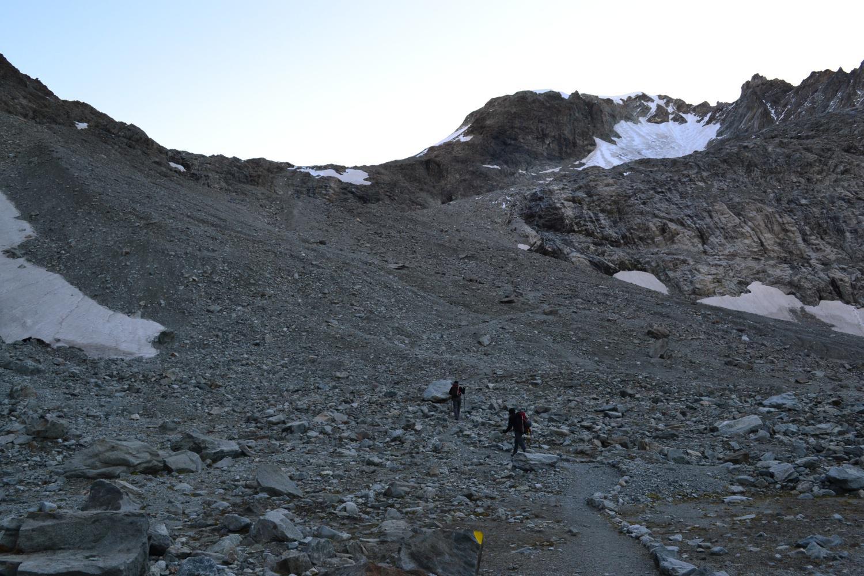 in direzione del Col Collon, con la Punta Kurz a destra