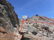 07 - Bivacco e torrione soprastante, tagliare in piano per trovare il canale detritico