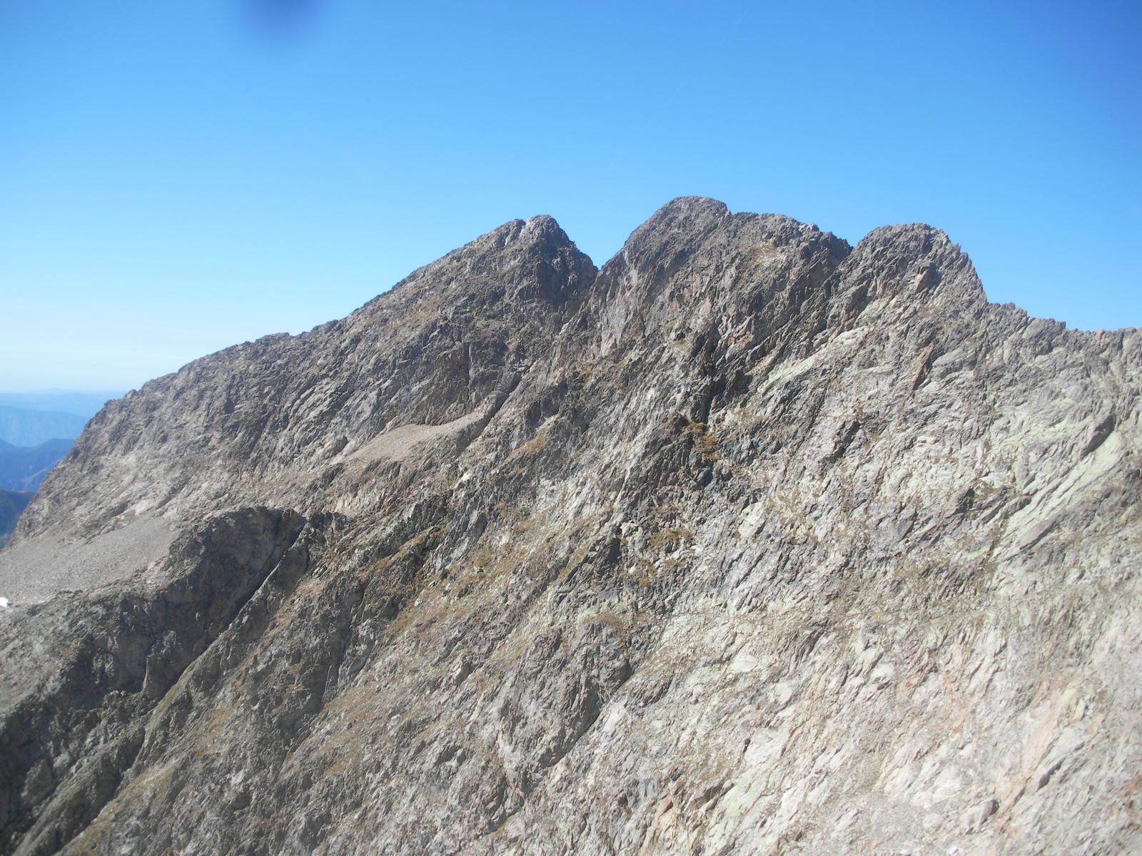 la cima dei gelas dalla cresta al chafrion..
