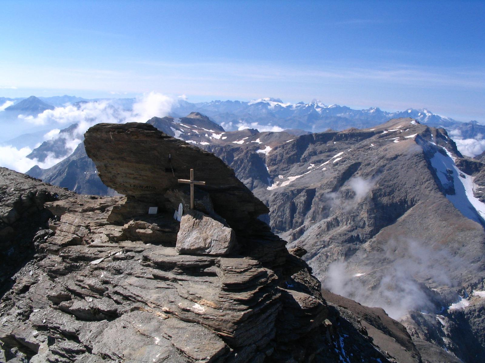Panorama dalla cima: la Mejie, gli Ecrins ...