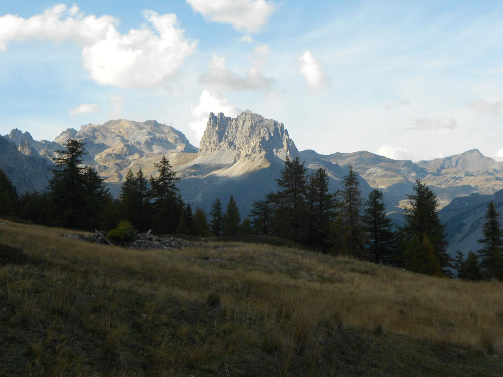 Dal plateau sommitale, colpo d'occhio verso l'alta valle...