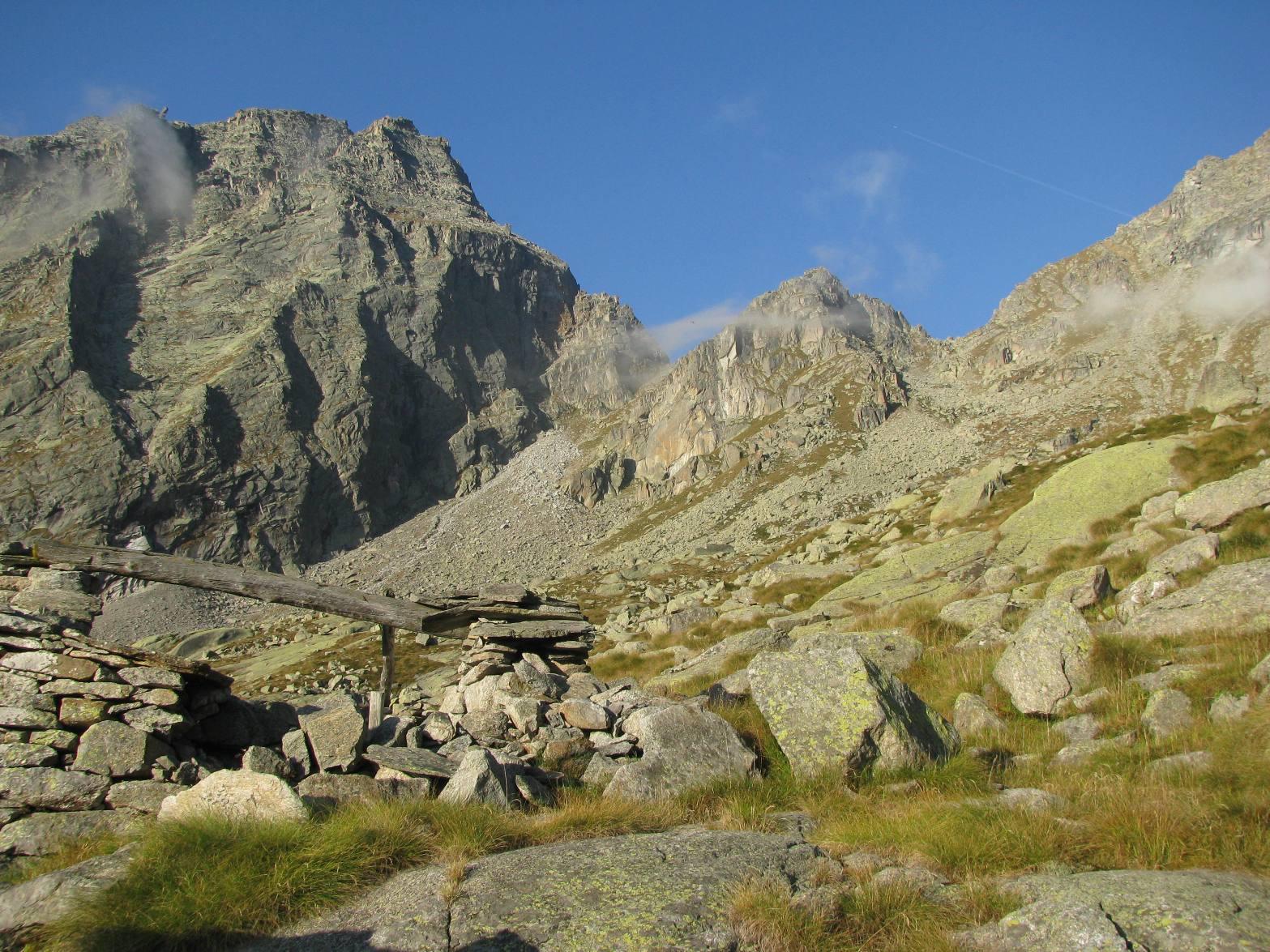 Alpe drosa di sopra, vista su Gran Carro e Bocchetta di Drosa