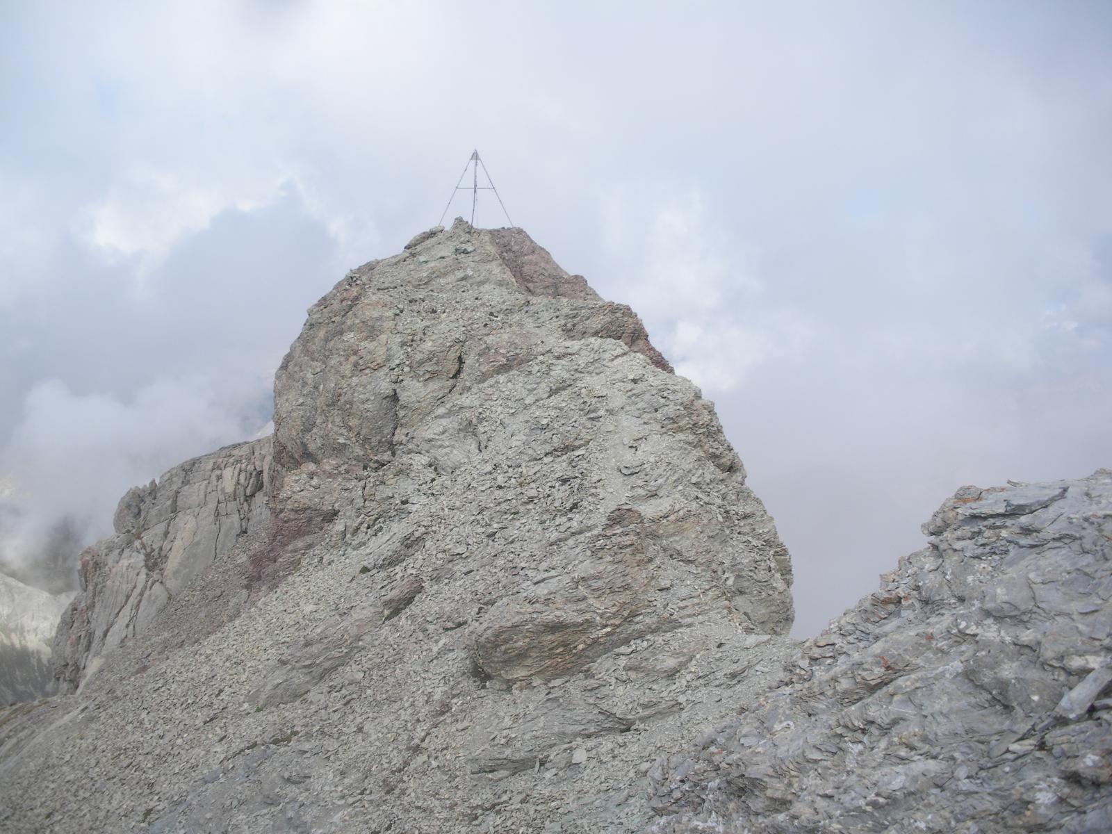 la vetta del Pic du Beal Traversier dalla spalla sud-est..