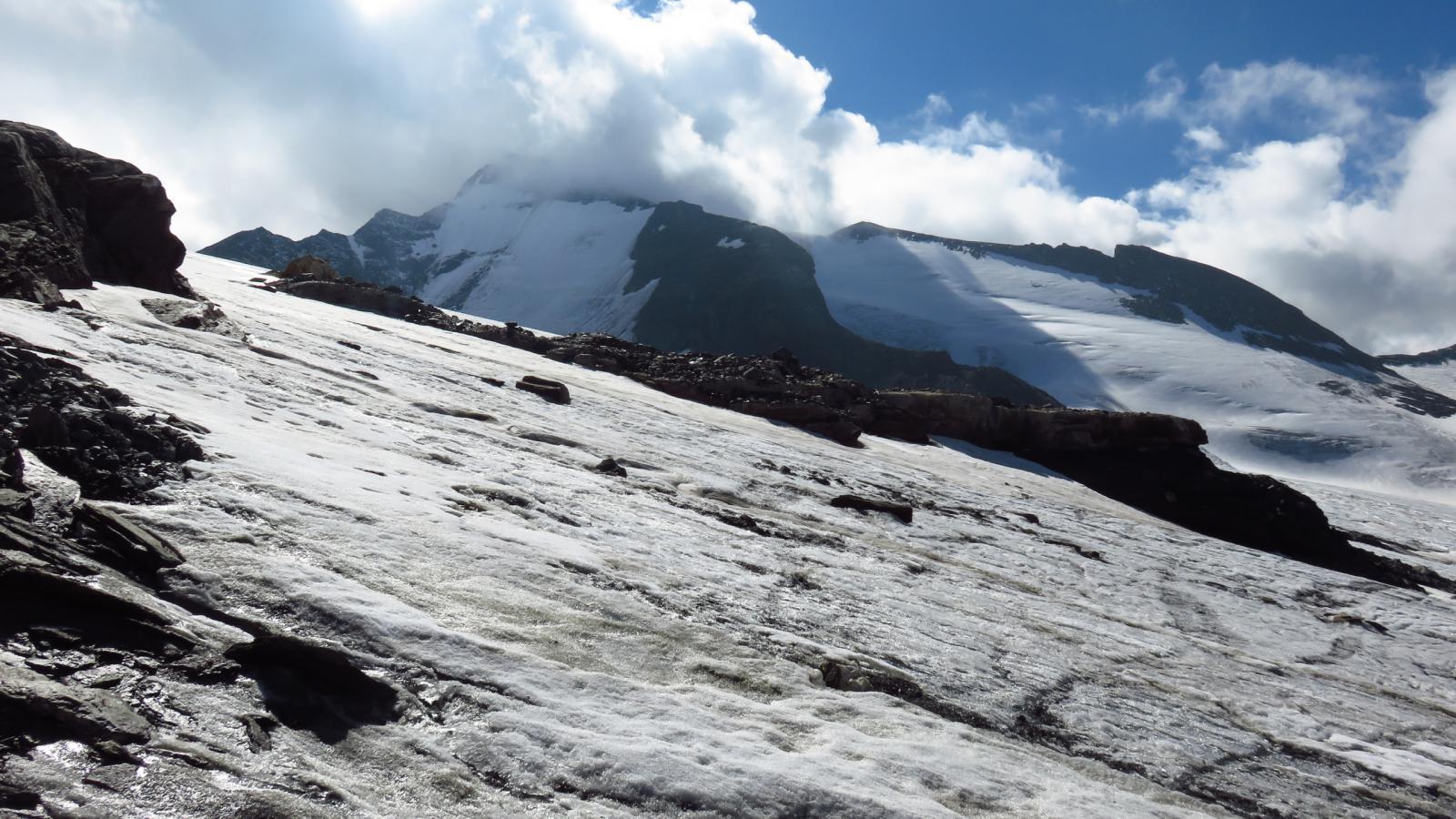 Ghiacciaio Sorce de l'Isère e Grande Aiguille Rousse viste dal Passo della Vacca