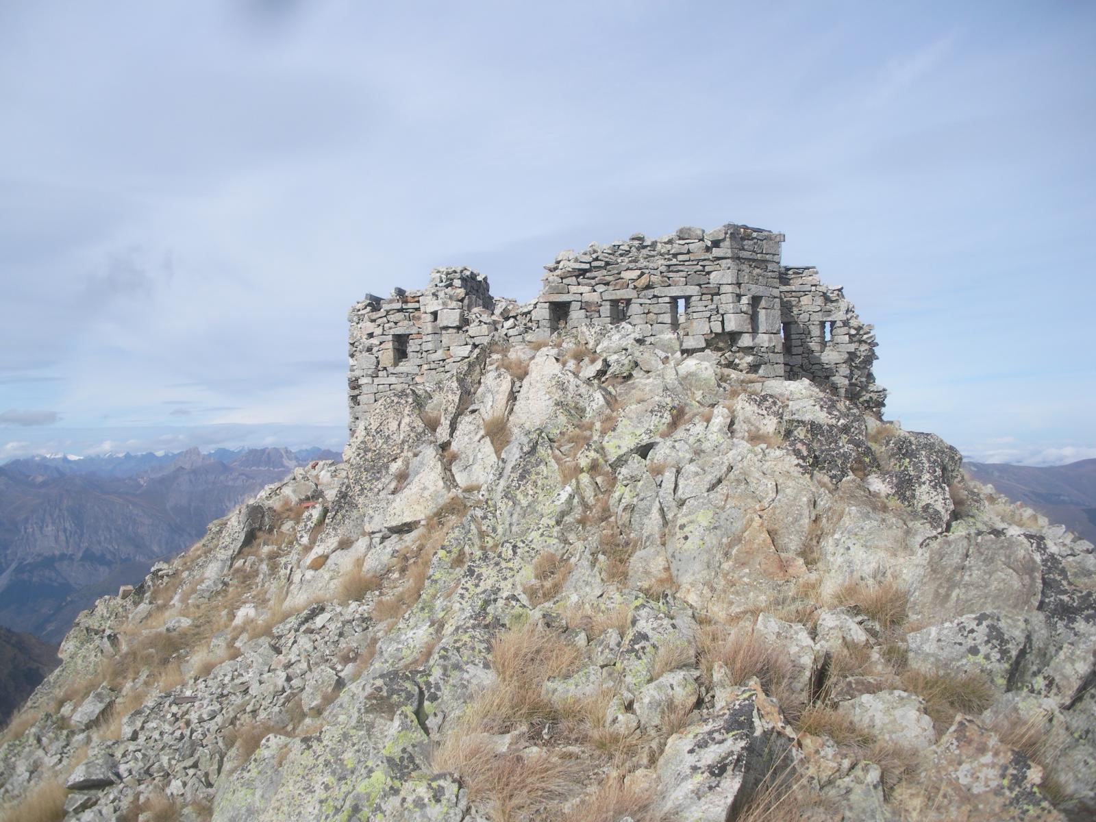 Forte (in rovina) in cima alla P.Ciarnier..