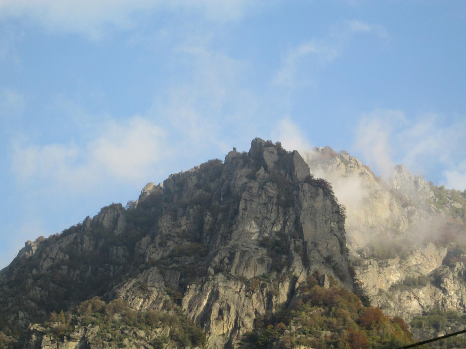 rocca di Lities vista da Cantoira