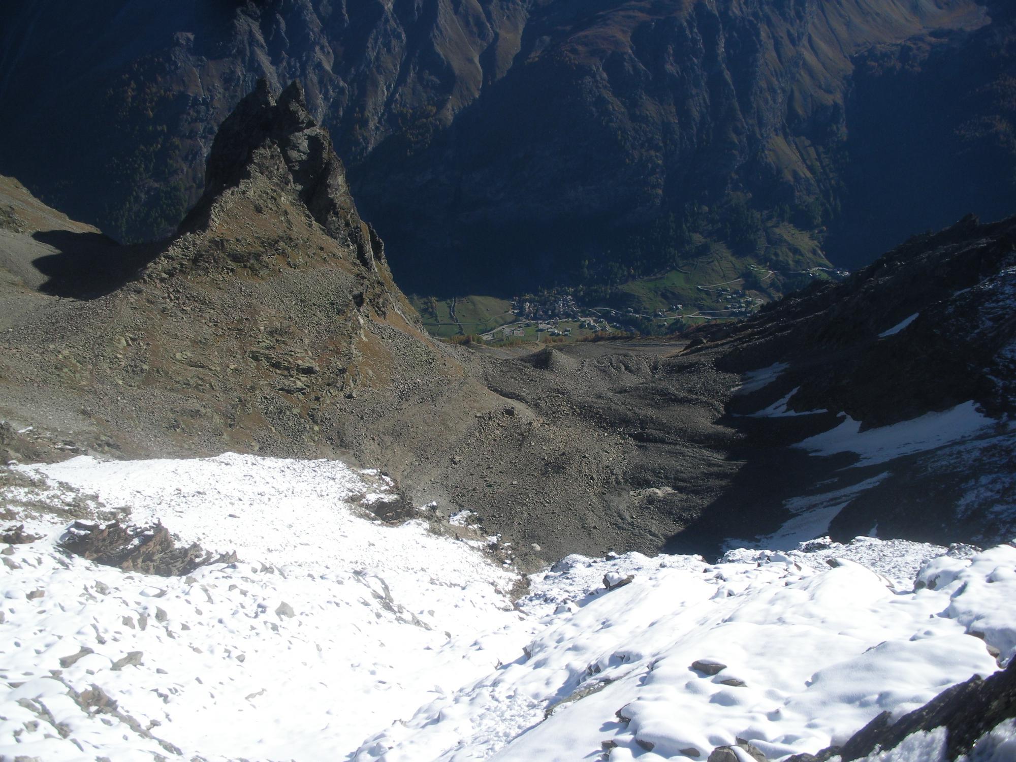 il Forquin de la Bioula e il limite di dove arriva la neve..dalla cresta alla Bianca..
