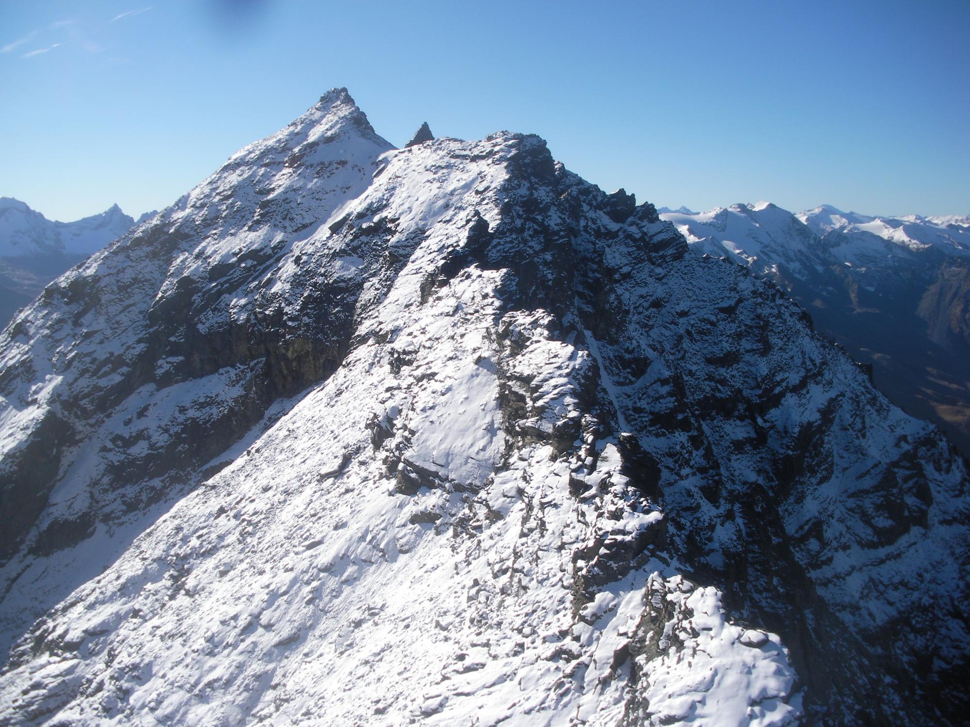 la seconda meta' della cresta in completa veste invernale..