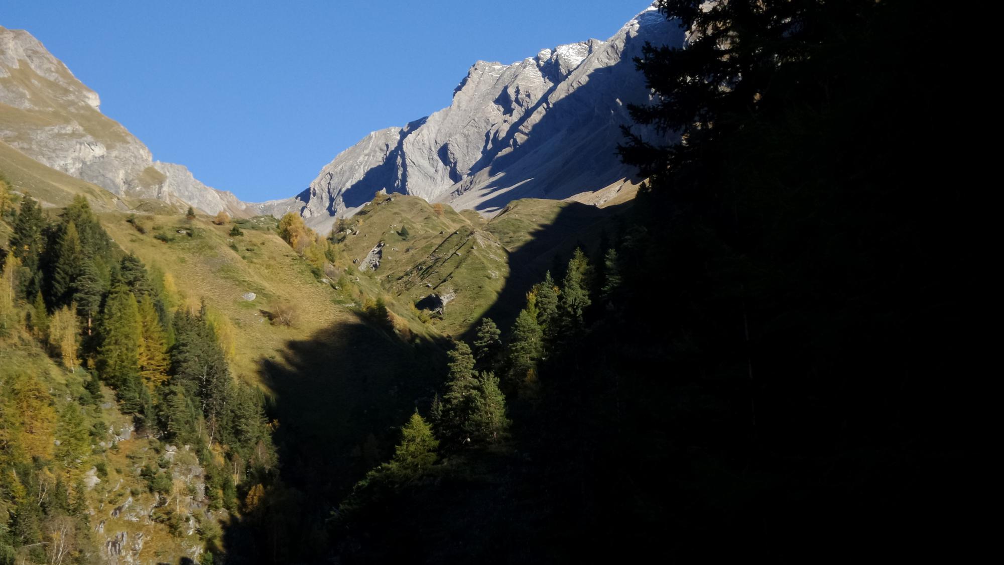 la Grande Rochere vista dall'imbocco del Vallone di Chambave