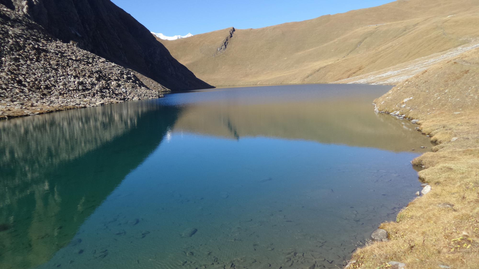 la conca erbosa che ospita lo splendido Lago di Liconi