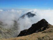 Il Mucrone emerge dalle brume