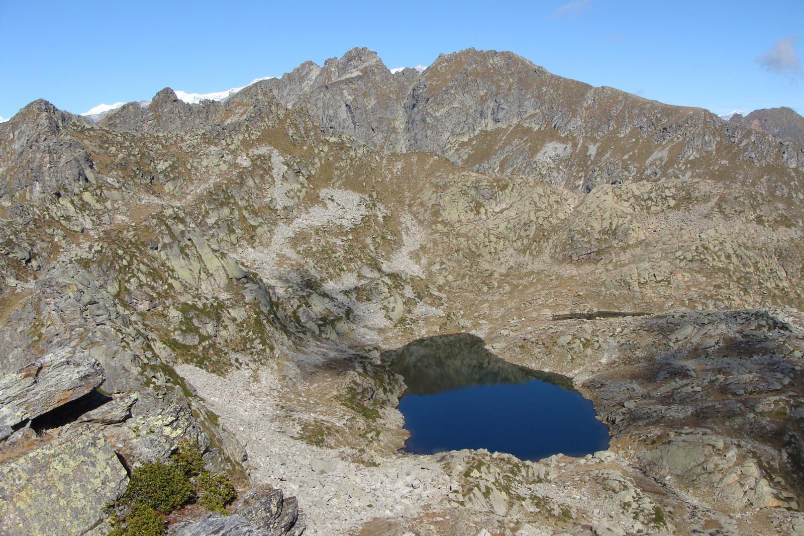 uno dei laghi tre vescovi