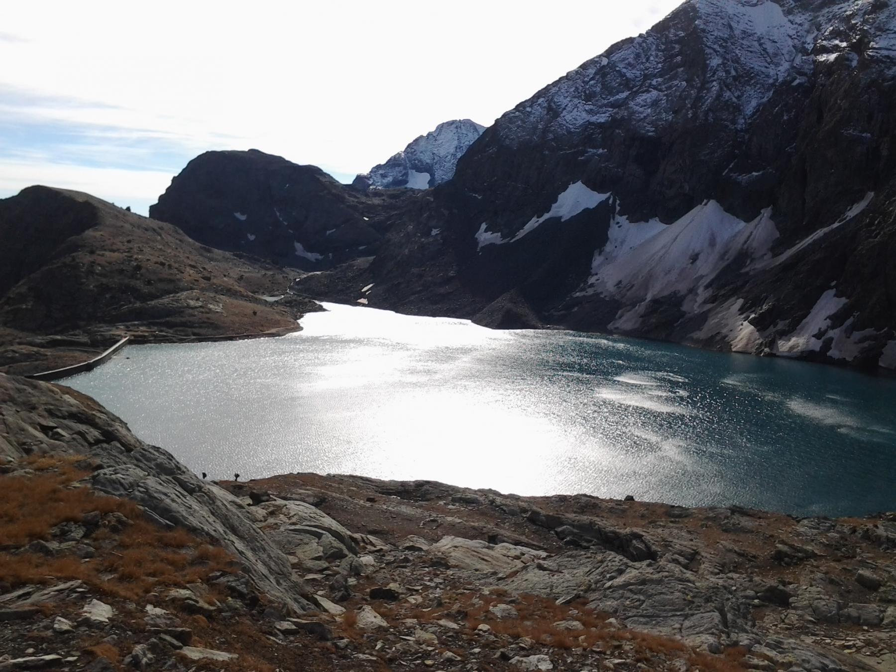 Il lago della Rossa, salendo al collarin d'Arnas (Lera sullo sfondo)