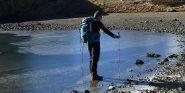 passando vicino ad un laghetto ghiacciato
