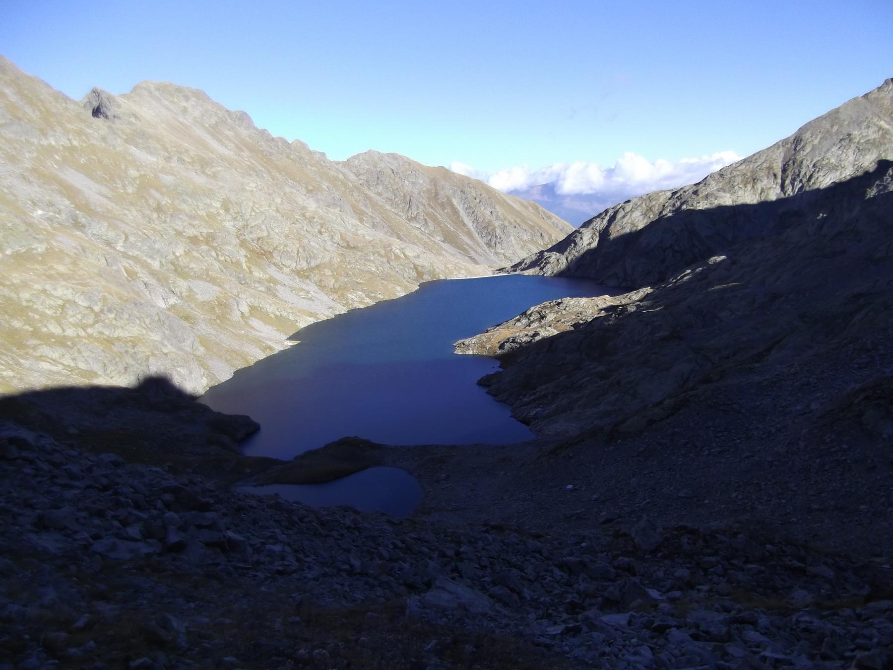 Il Lago dell'Agnel dal passo