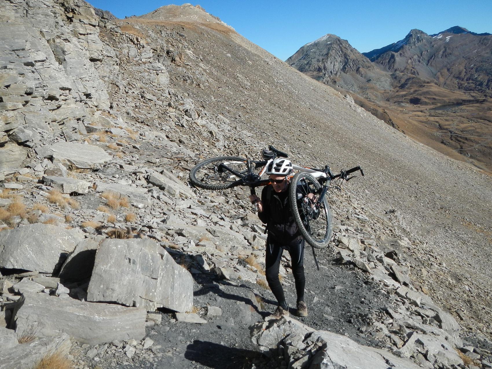 ultimi metri per l'arrivo al passo Invergneux 2902 m.