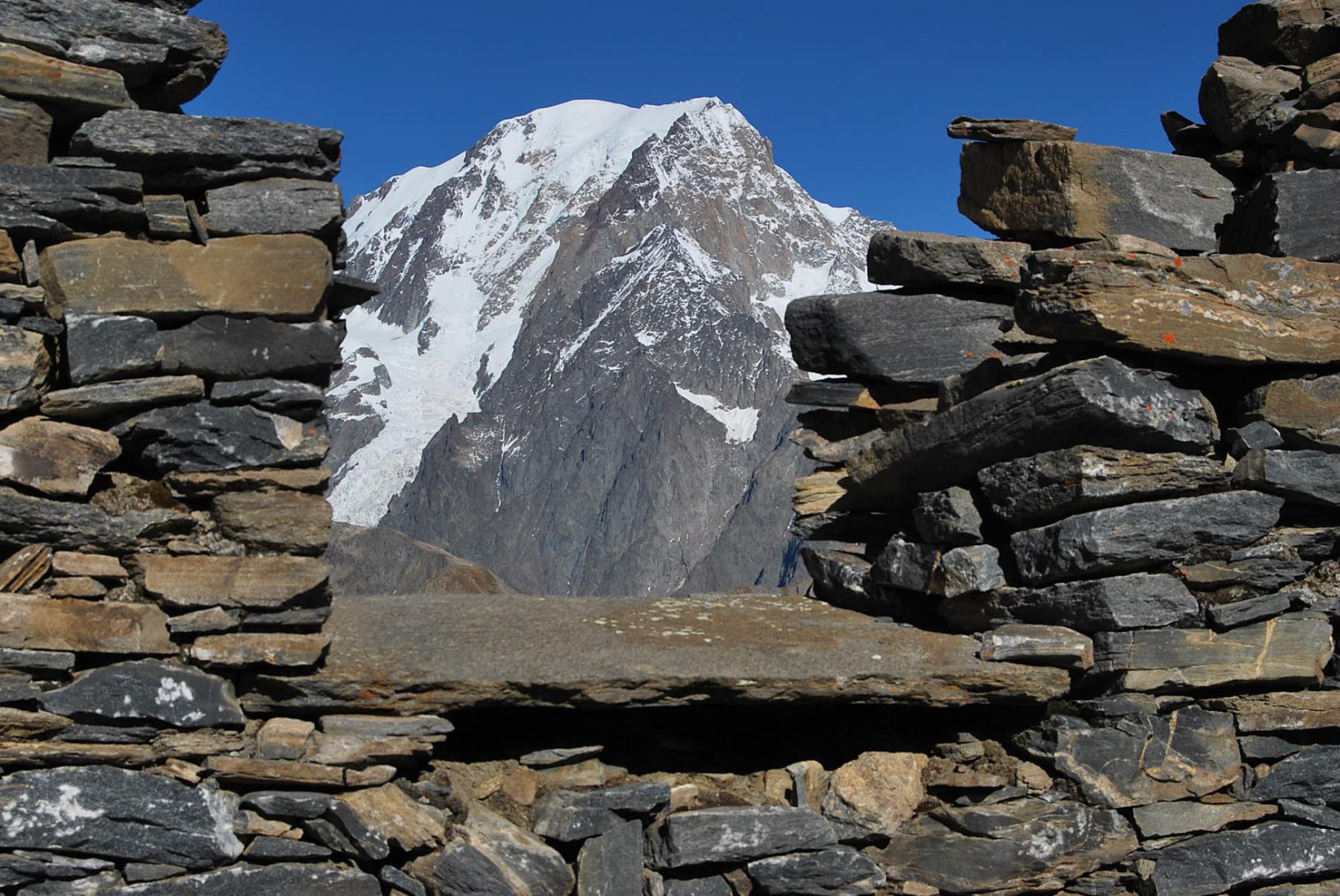 Il Monte Bianco visto dalle feritoie
