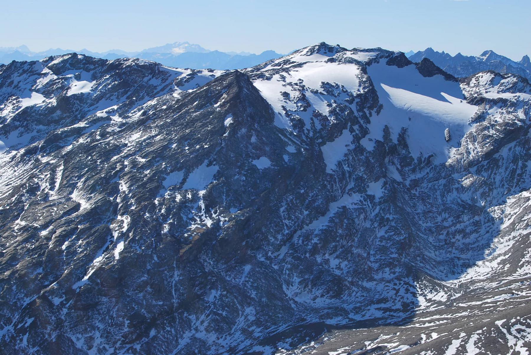 Il Mont Miravidi dalla vetta