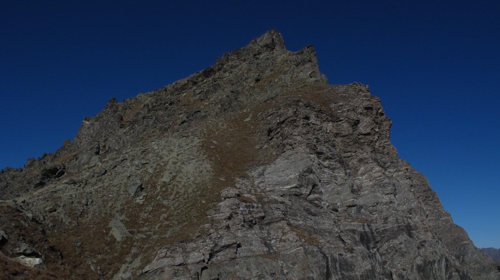 La cresta dal colle