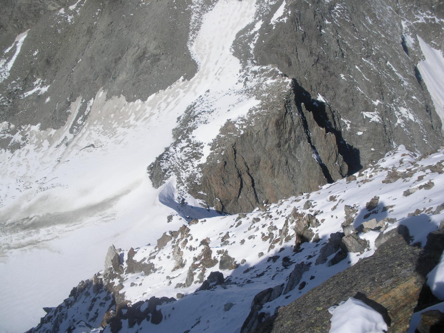 ..il Colle della Sassa dalla cresta sud.ovest della Becca des Lacs..