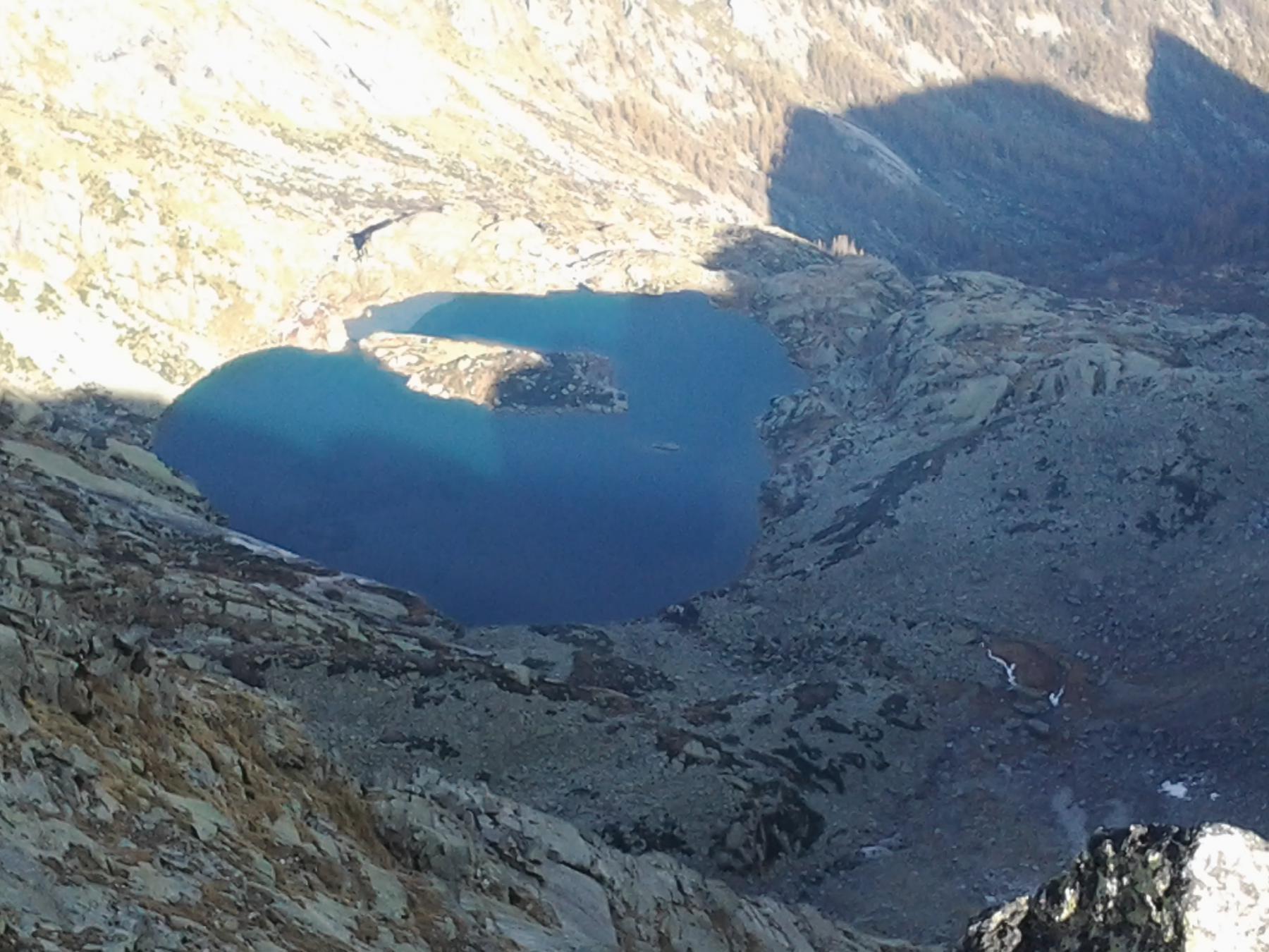 Il bel lago Lazin dalla vetta