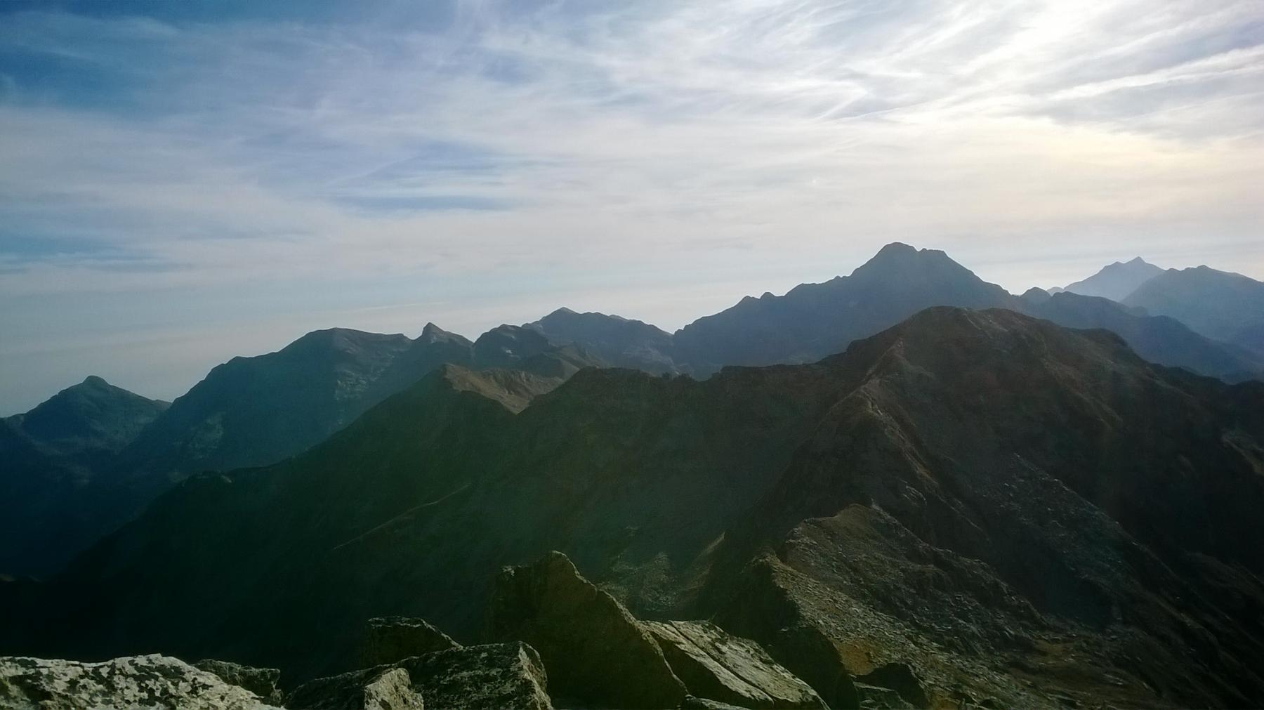 Dal monte Tovo alla colma do Monbarone sempre dalla vetta.