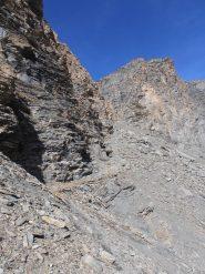 06 - in questa zona prossima al colle inizia la ripida pietraia