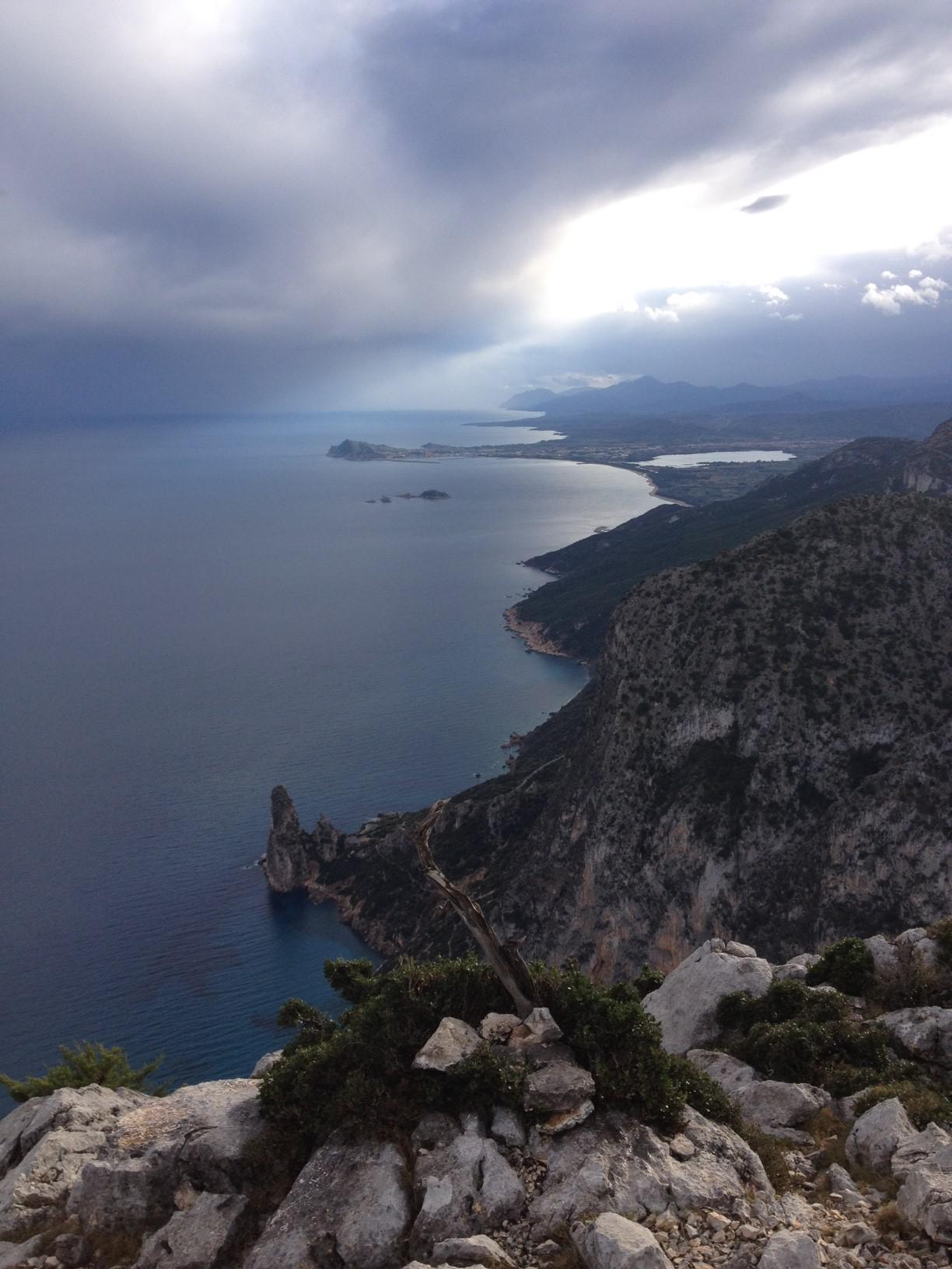 Panorama dalla vetta verso Pedra Longa e Arbatax