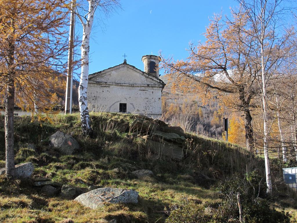 Pianello (Alpe)anello da Tavagnasco perSanta Maddalena 2014-11-16