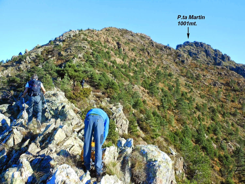 Salendo la cresta sud-ovest per P.ta Martin.