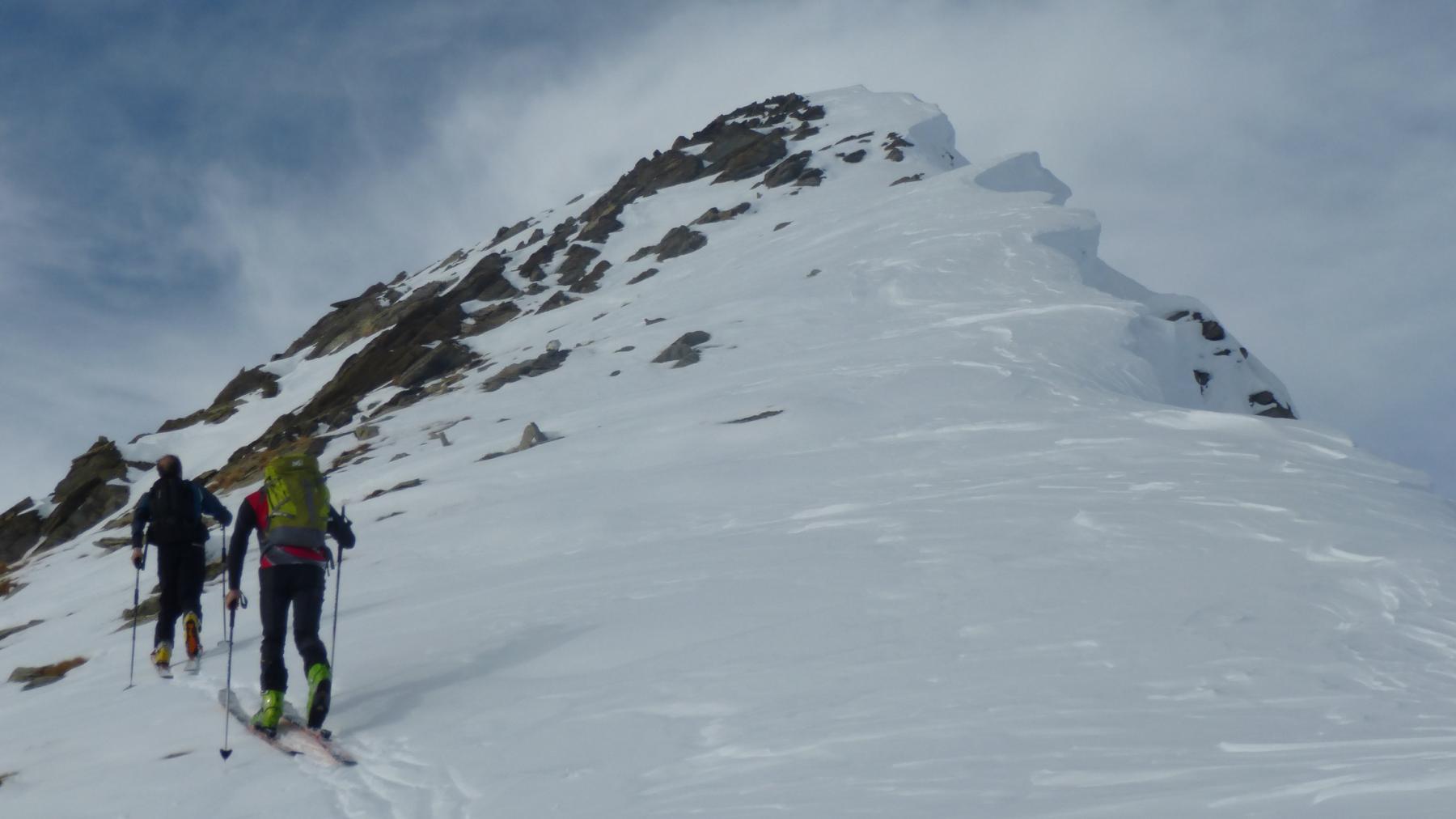 ultimo tratto con gli sci prima della cima