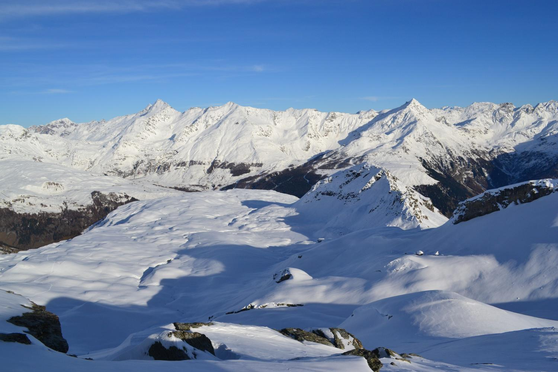 panorama dal Piz Timun al Groppera con il vallone percorso