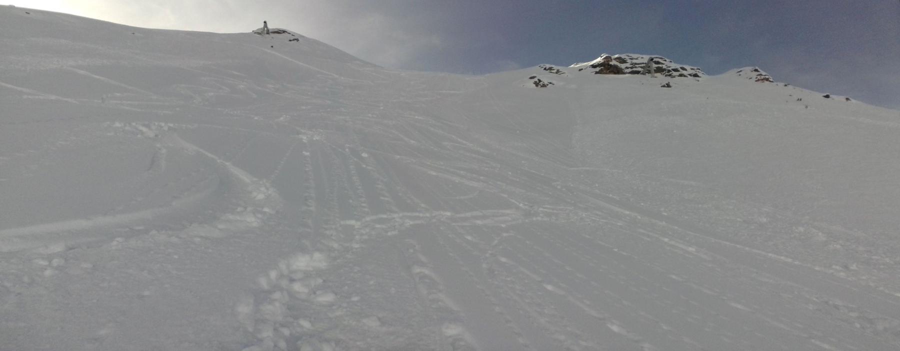 secondo tratto sempre in neve polverosa  con ampi spazi intonsi...