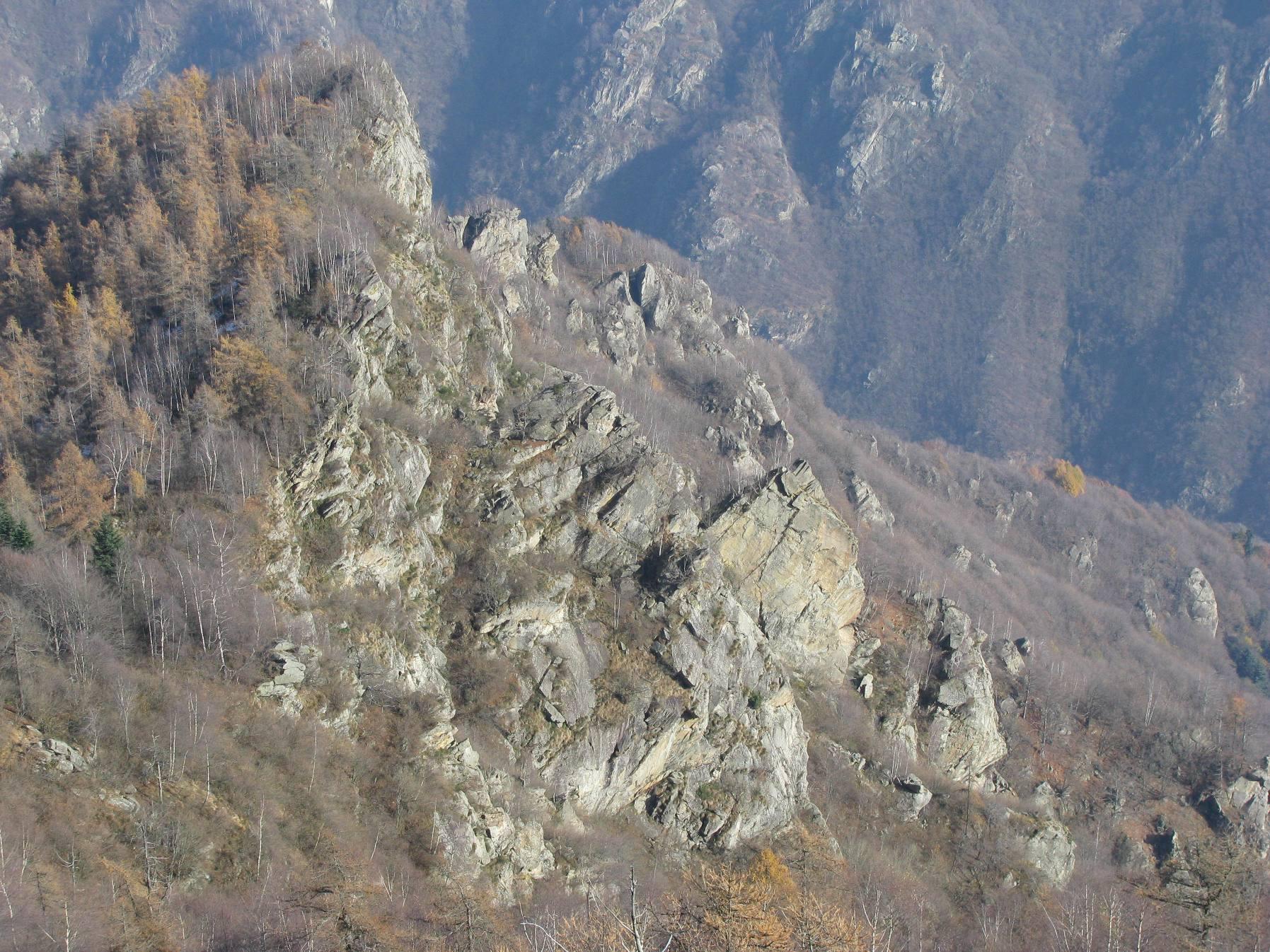 Vista dall'alto, del versante di salita delle Comunasse