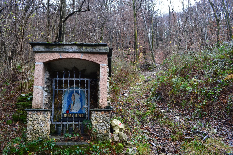 cappelletta della Madonna di Robi (820 m)