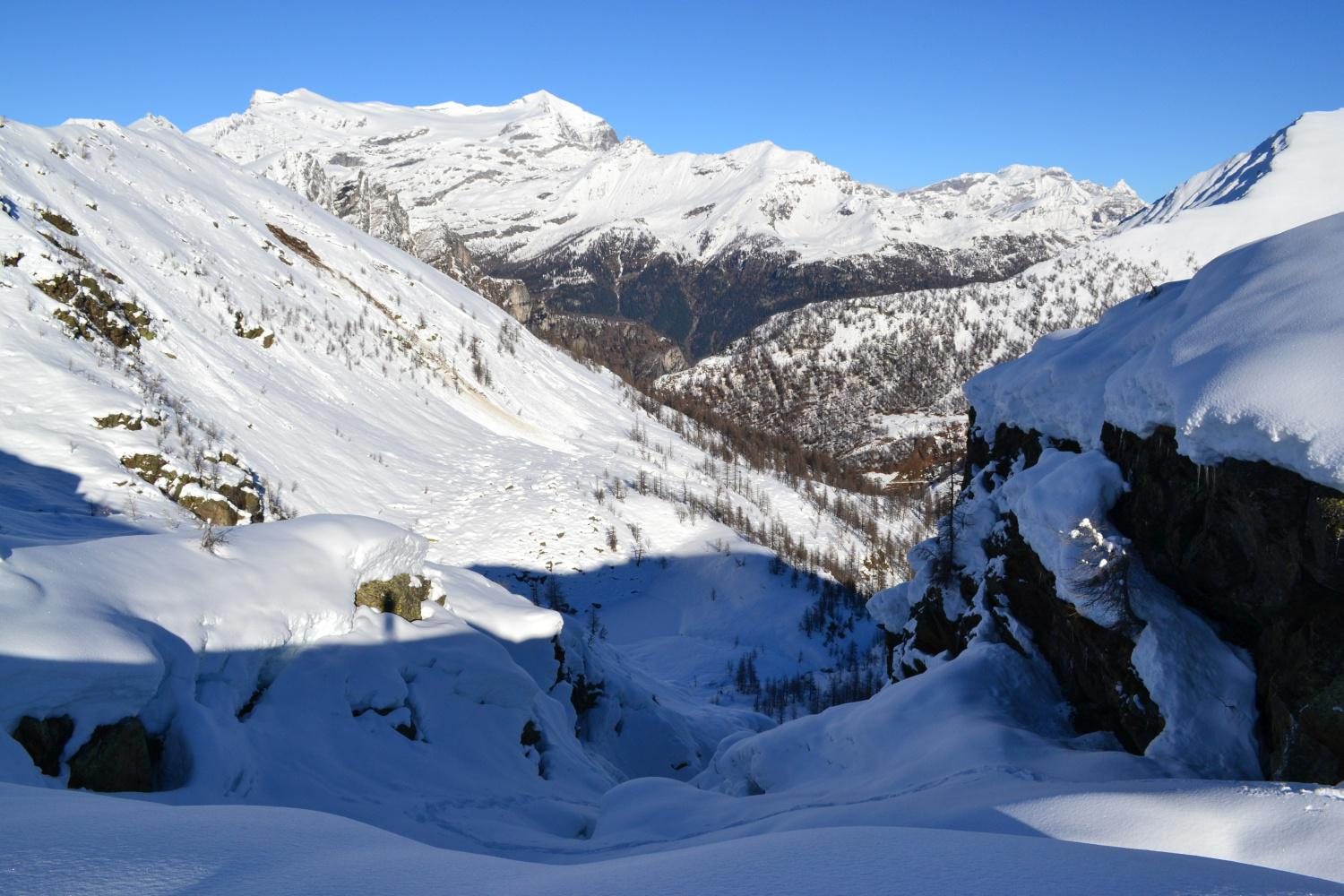 panorama verso valle in uscita dal canale