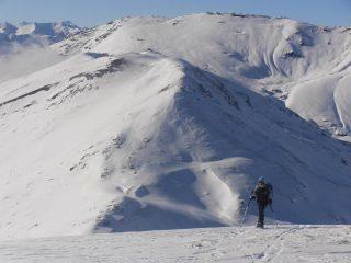 11 - quasi in cima al Vin Vert, si vede il tragitto percorso dallo Jafferau sullo sfondo