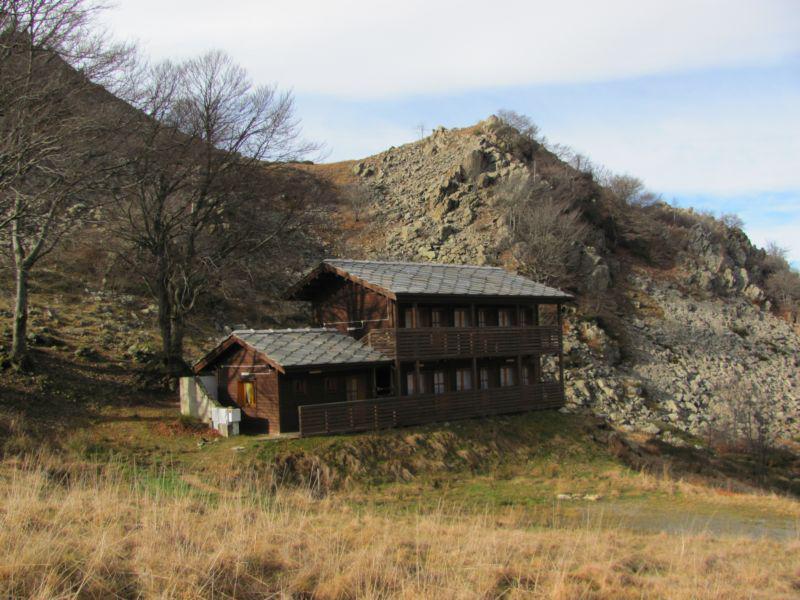 Rifugio Alpe Lunella poco sotto il colle