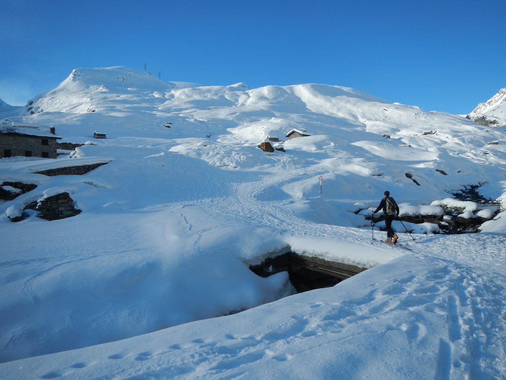 Rascias (Mont) dalla strada per Dondena 2014-12-08