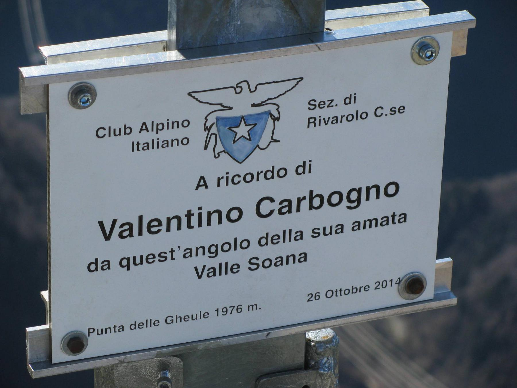 Punta delle Gheule, targa a ricordo dell'Amico Valentino