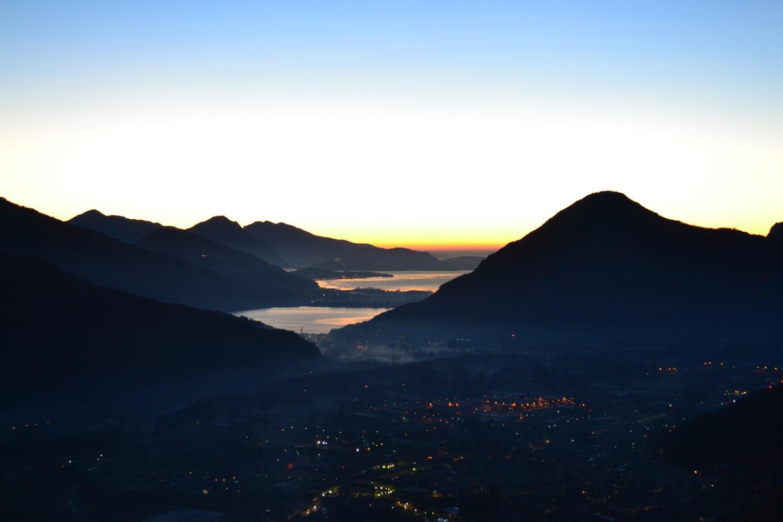 vista sul Lago Maggiore e di Mergozzo salendo al Forte di Bara