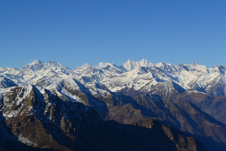 bel panorama sui 4000 del Vallese