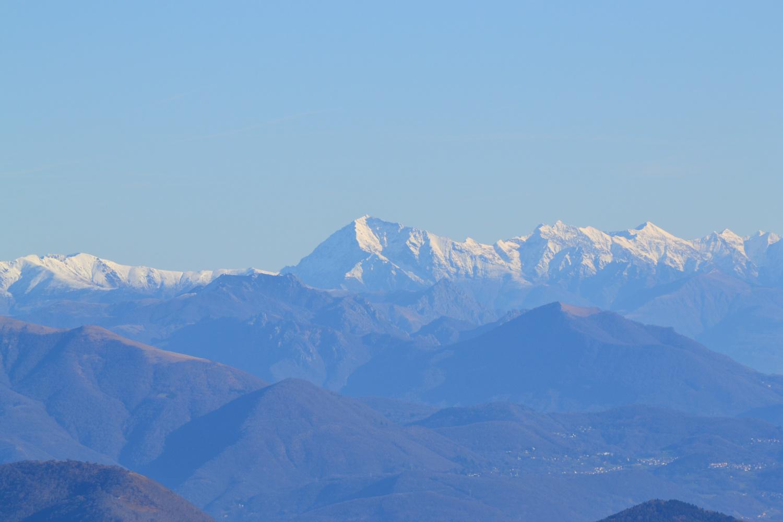 il Monte Legnone visto dalla cima