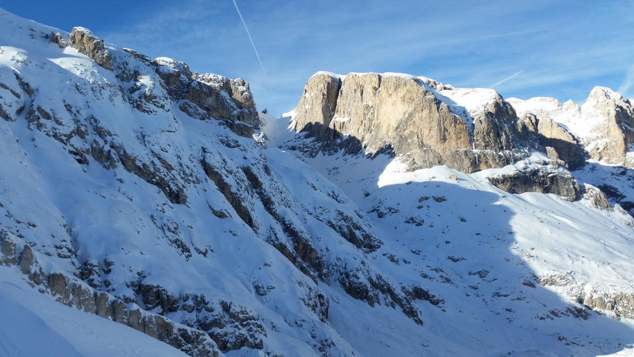 val cantoni, a destra la cima Vezzana