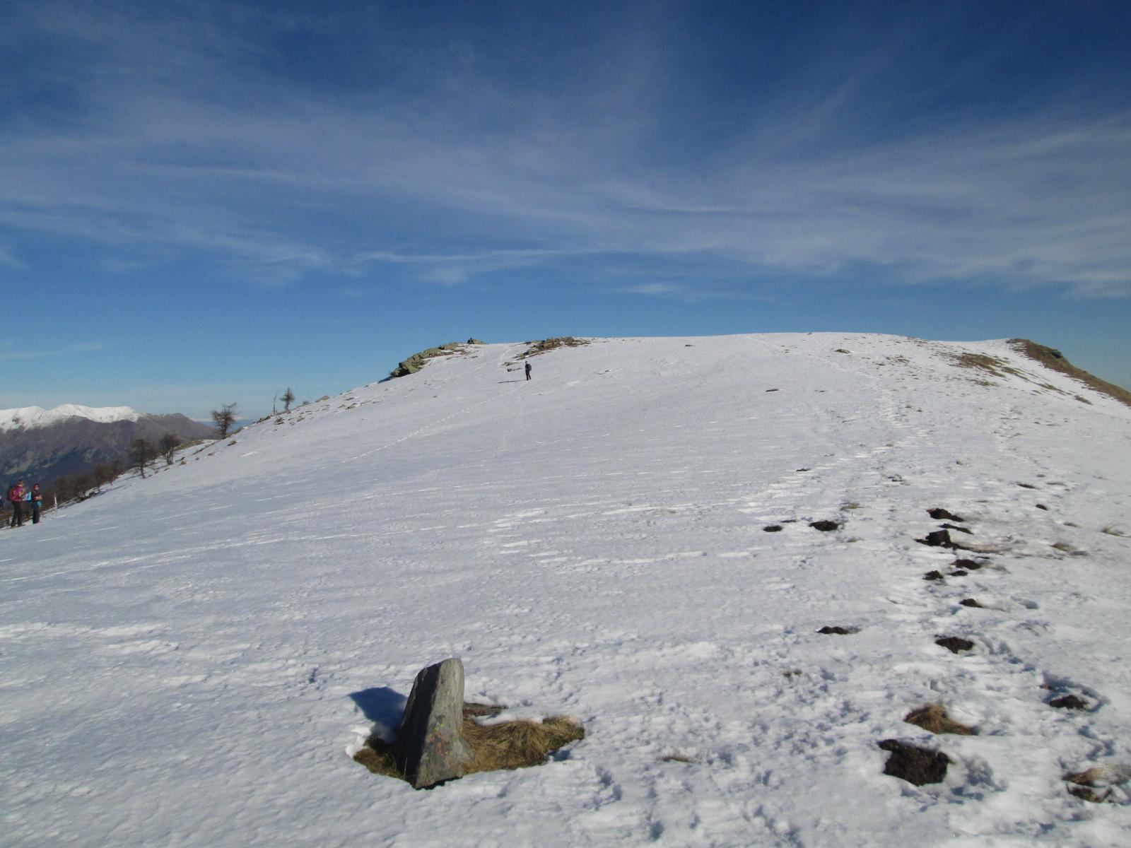 un po' di neve in vetta