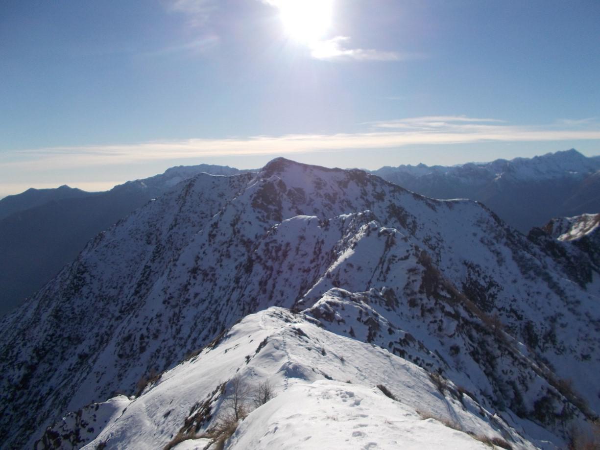 Il tratto di cresta tra la Cima Saler e la Punta della Rossola
