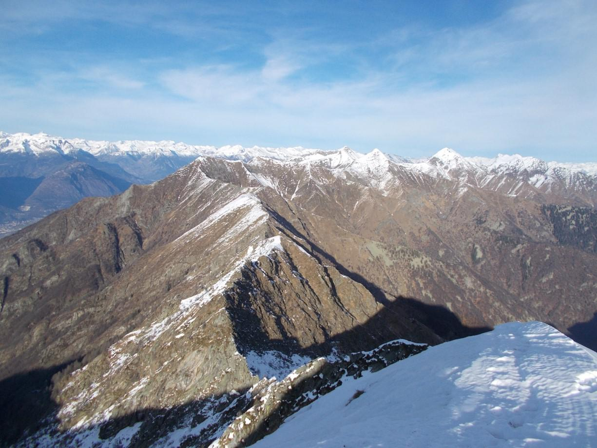 La Cresta confine Ossola Val Grande che prosegue a Nord  della Rossola