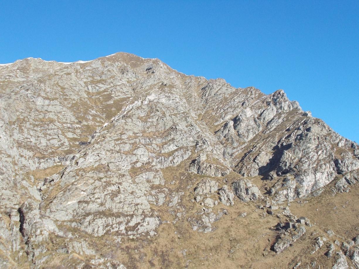 Cima Saler (si vedono anche i ruderi dell'Alpe Saler)